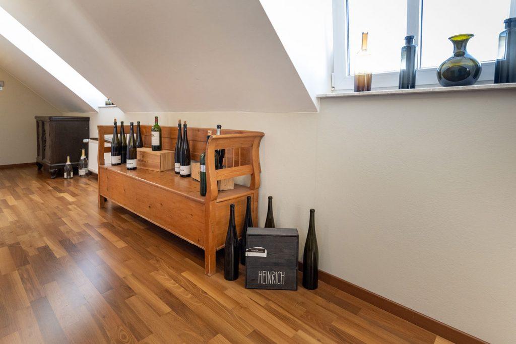 Schön dekorierter Flur im Wein- & Tafelhaus
